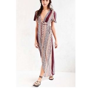 NWT 💗💗💗 Patterned maxi wrapped dress